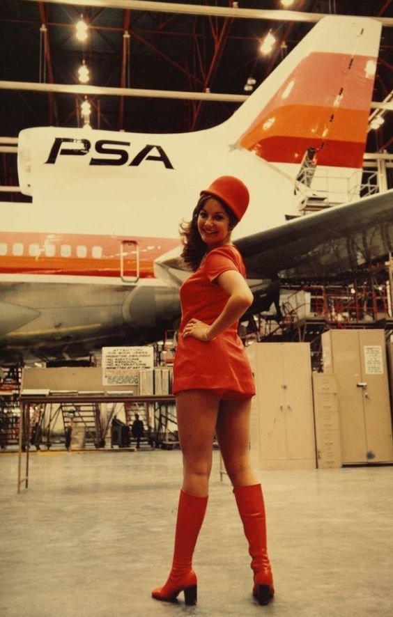 Фото в мини стюардессы порно фильмы женщины