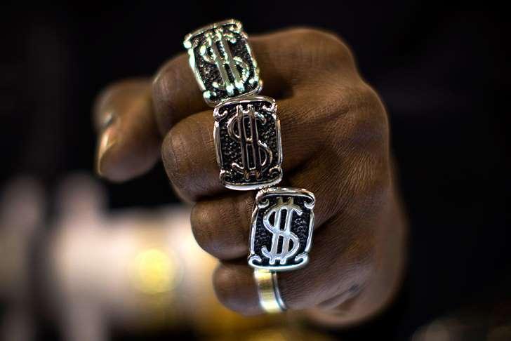 Сильный доллар бьет по всем