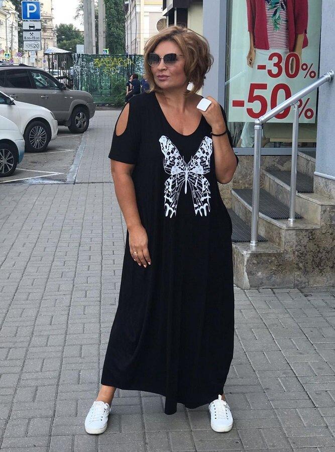 Свободный Бохо для лета: стильные длинные платья для зрелых женщин 50+