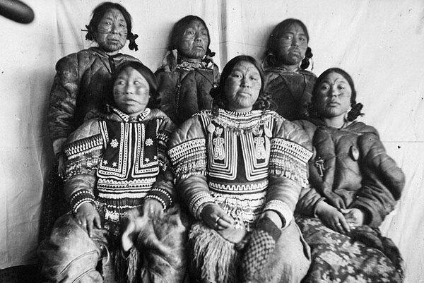 Дикий и отвратительный обычай меняться женами у эскимосов. А жены и не против
