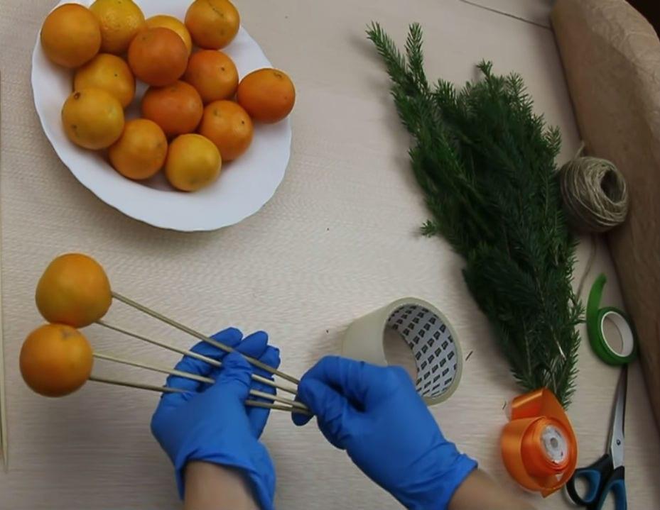 Сделайте чудесный новогодний подарок из мандаринов своими руками