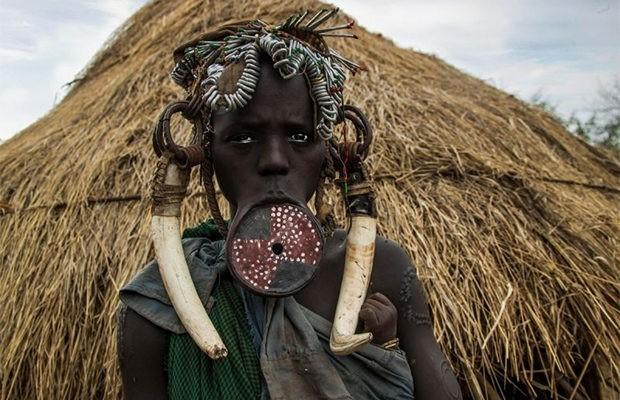 Красота девушек племени Мурси