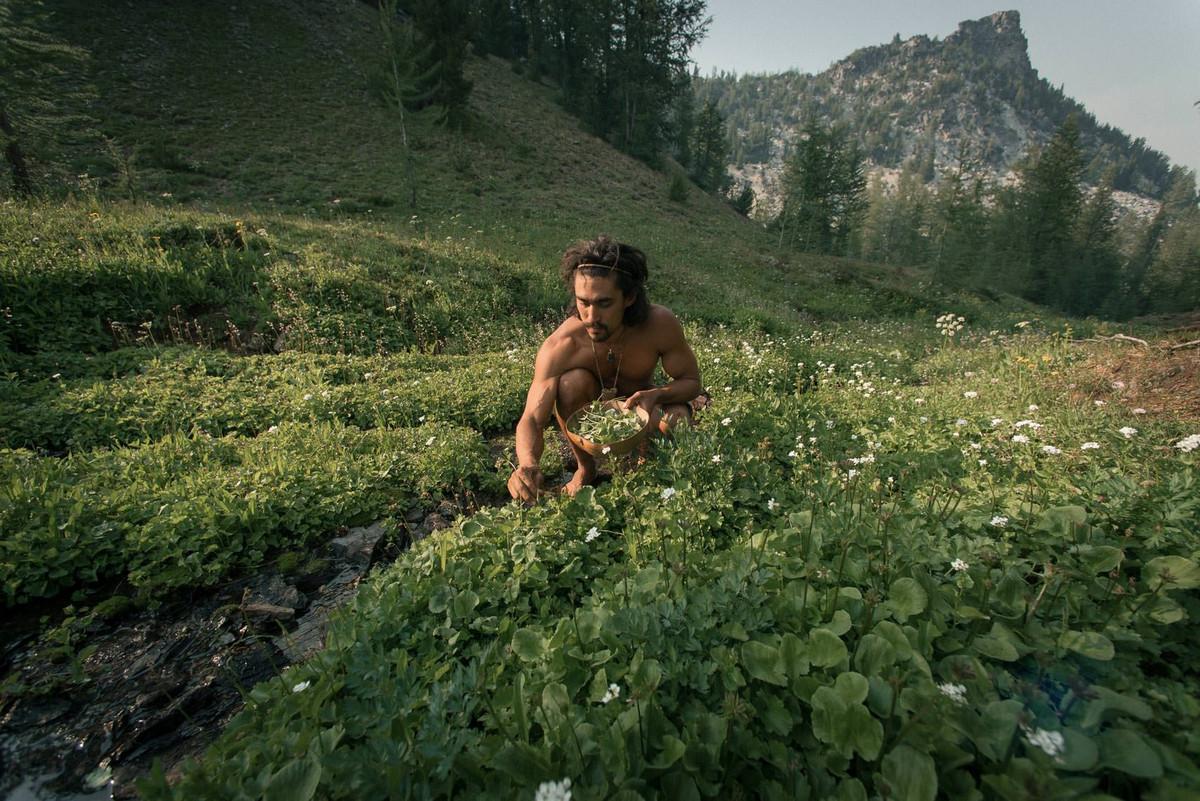 Назад в палеолит: охотники-собиратели 21-го века в фотопроекте «Живущие дикими» 7