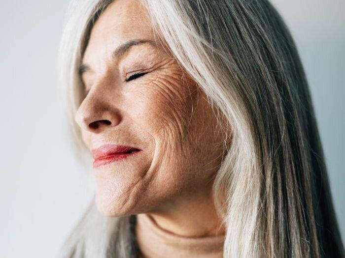Белый карандаш: средство для женщин 50+, корректирующее объем губ