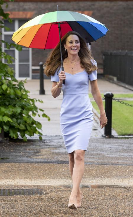Дождь не помеха: Кейт Миддлтон отметила запуск своего нового фонда в Лондоне детей, Миддлтон, маленьких, проблем, относительно, человека, Фонда, работы, который, герцогини, общества, выбрала, герцогиня, Темой, супруга, вклад, обсуждения, медицинскую, маскуПосле, деловой