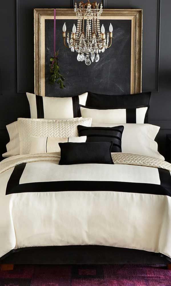 Спальня в цветах: Бежевый, Светло-серый, Черный. Спальня в стиле: Эклектика.