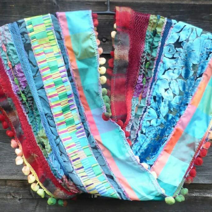 И чем я занимаюсь в своей мастерской вдохновляемся,вышивка,рукоделие,творчество