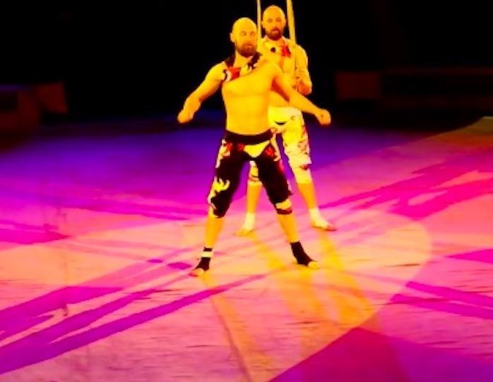 Акробат цирка Мстислава Запа…