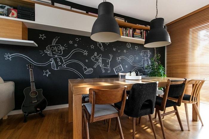 Грифельная стена - отличная площадка для творчества. / Фото: roomester.ru
