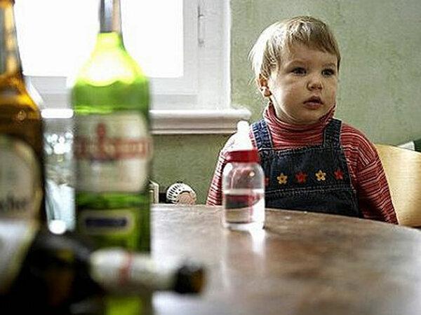 Детдом или пьющие родители: что хуже для ребенка?