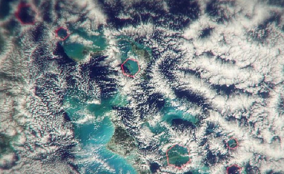 Помощь свыше На мысль искать воздушную аномалию Стива Миллера натолкнул тщательный анализ спутниковых снимков местности. Современная <a href=