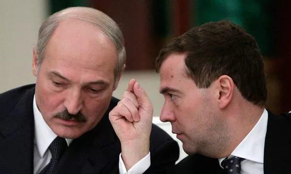 Лукашенко: Медведеву нужно п…
