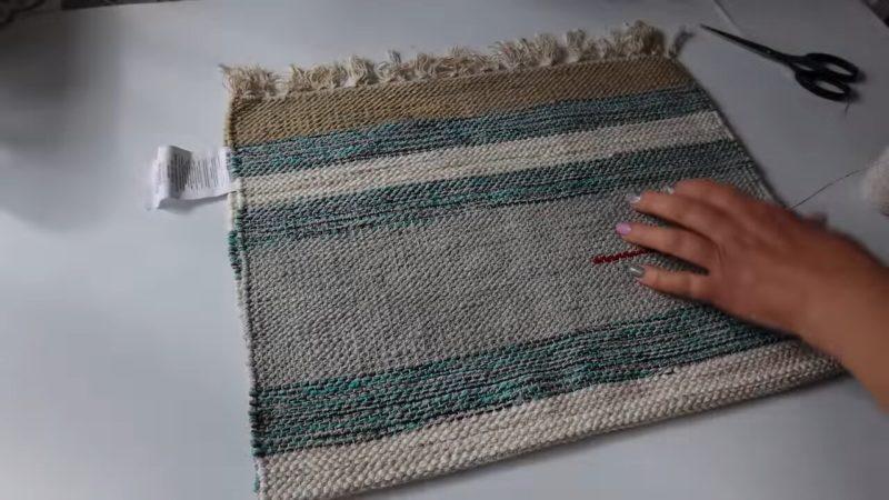 Оригинальная корзинка для белья из дешевых ковриков