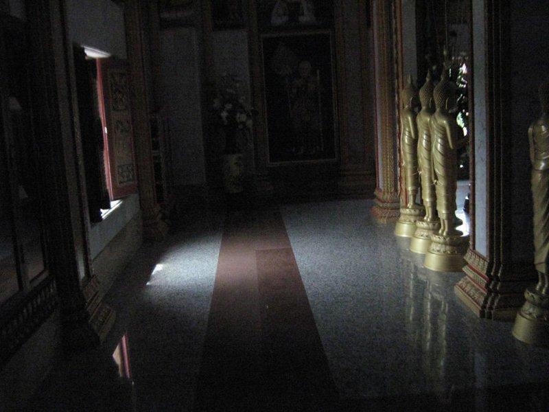 В храме камера, оборудование, путешествие, снимок, таиланд, фотография, фотомир