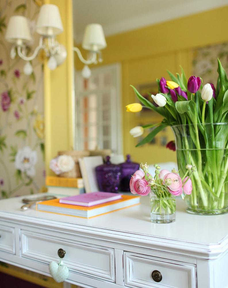 Мебель и предметы интерьера в цветах: светло-серый, салатовый, бежевый. Мебель и предметы интерьера в .