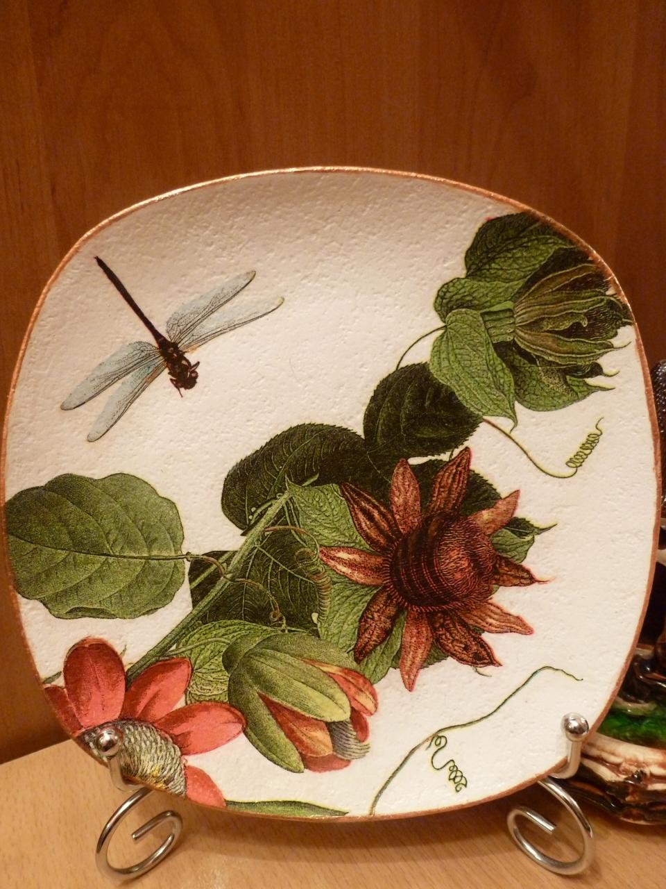 Декоративные тарелки.