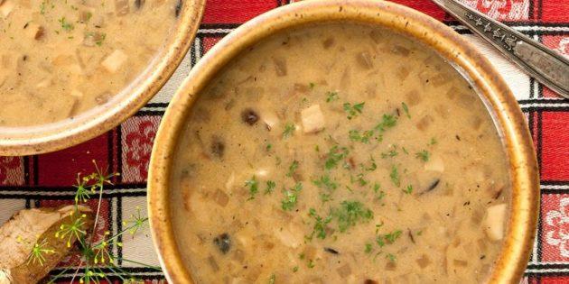 Суп из сушёных белых грибов с мукой и сметаной