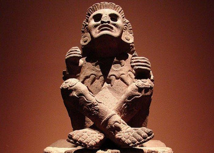 Ксочипилли – бог-покровитель мужской проституции.