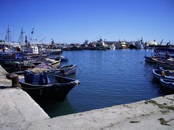 СМИ: в Тунисе задержано судно якобы с военным грузом из России
