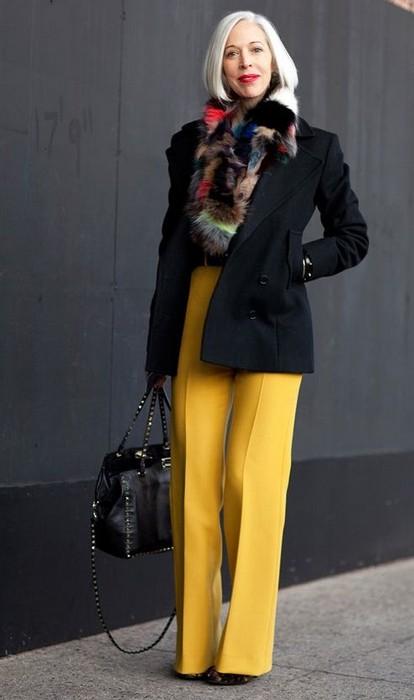 Яркий гардероб - это всегда нескучно.