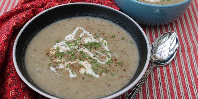 Суп-пюре из сушёных белых грибов с сельдереем