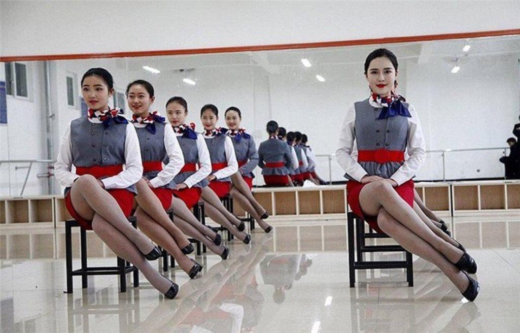 Подготовка китайских стюарде…