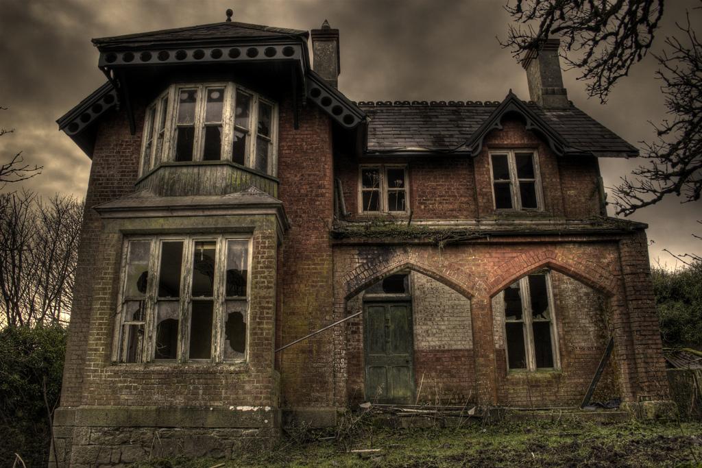 картинка заброшенного дома