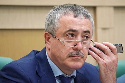 Российский сенатор призвал казнить оскорбившего Путина журналиста