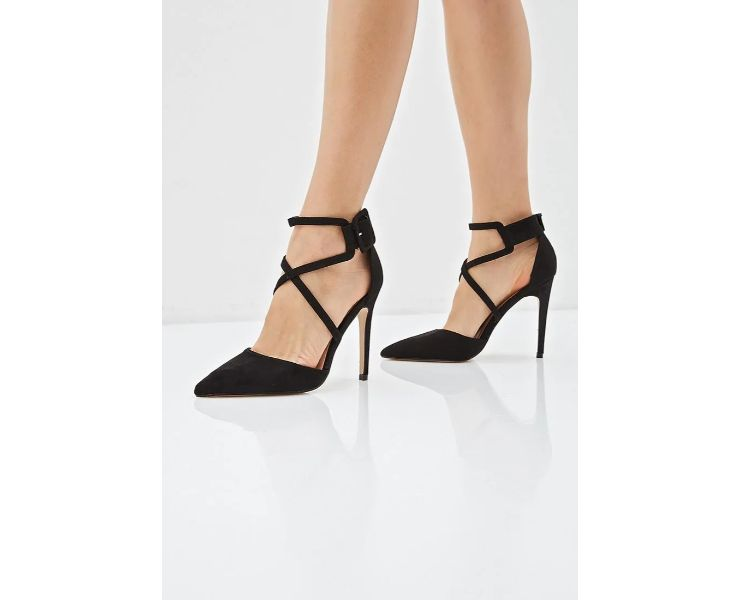 Sweet Shoes, 3 699руб. (Lamoda)