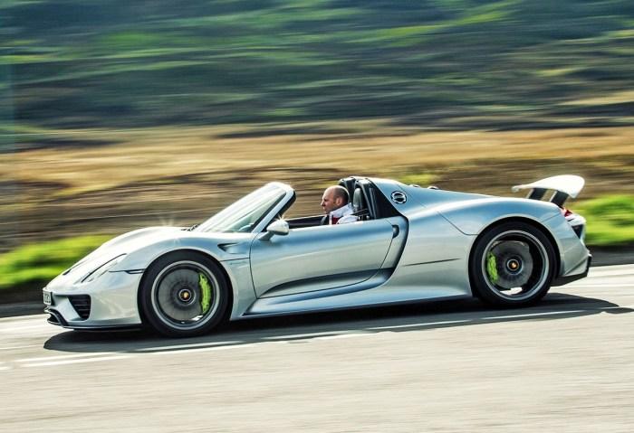 Гибридный Porsche 918 может расходовать всего 3,1 литра бензина на 100 километров пробега.