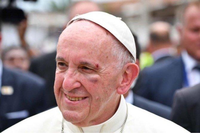 В Колумбии папа римский полу…