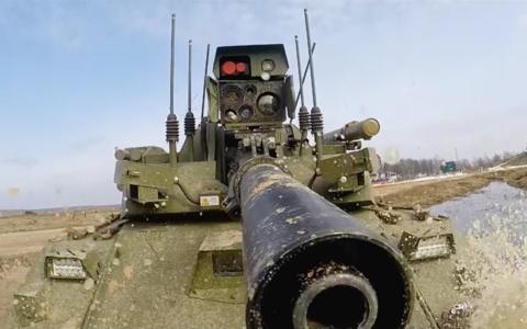 Тест-драйв боевого военного робота «Уран-9»