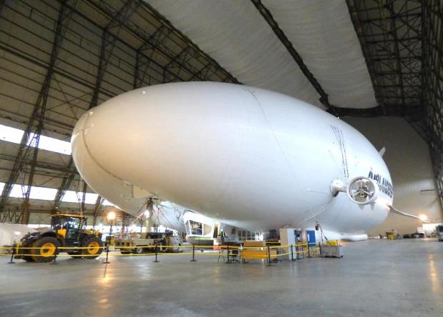 Британцы починили самое большое воздушное судно