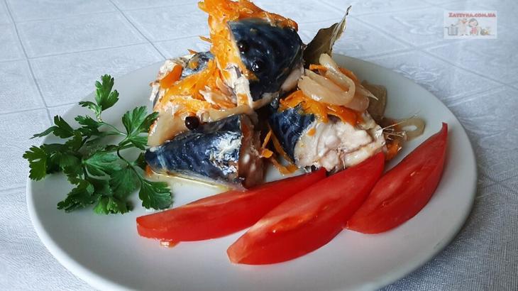 Скумбрия с овощами в банке в духовке рыбные блюда
