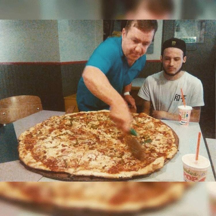 В пиццерии Дублина можно бесплатно съесть пиццу и заработать. Но пока сделать это еще никому не удалось