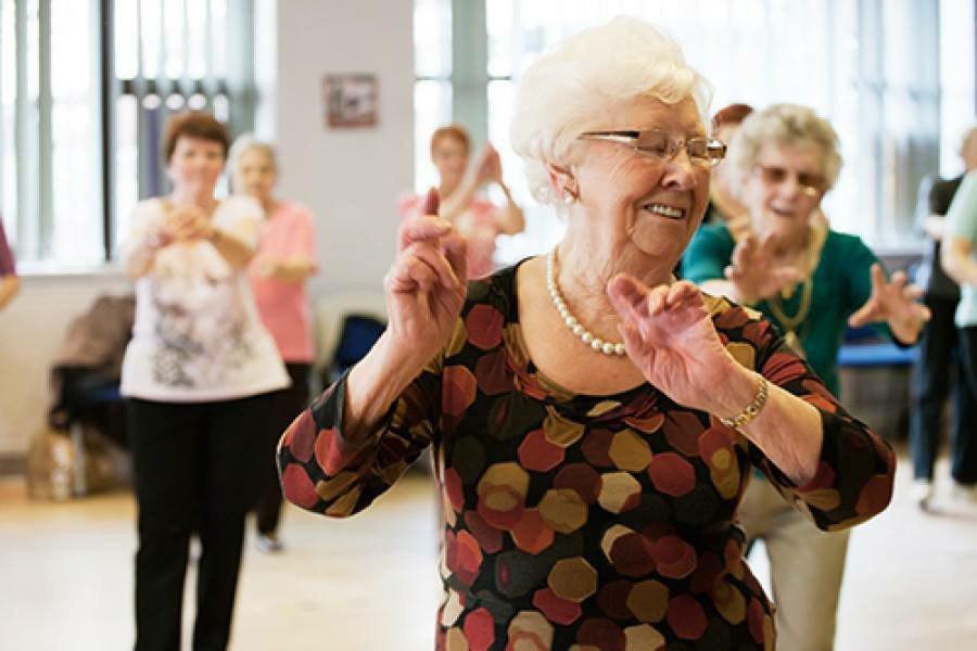 картинки пенсионеры танцуют имеет