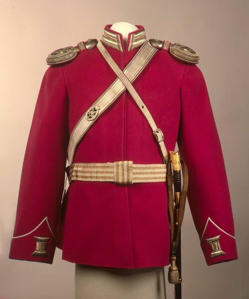 Офицерская форма 1-й Уральской эскадрон Его Величества Лейб-гвардии сводного казачьего полка, принадлежавшая цесаревичу Алексею Николаевичу.