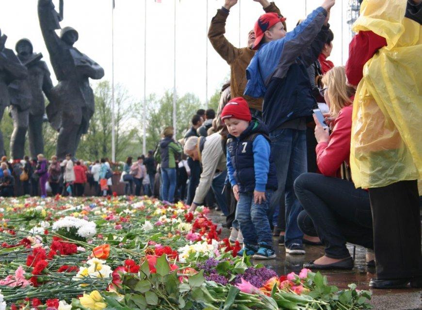 Вице-мэр Риги выступил против обсуждения сноса памятника Освободителям…