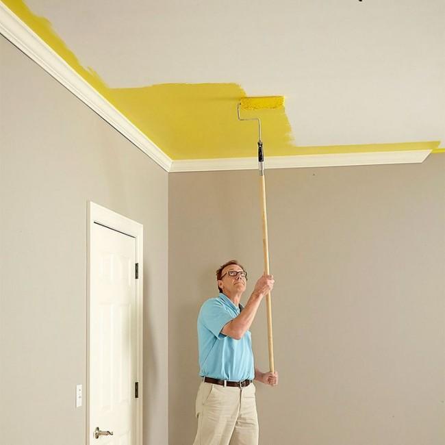 Как правильно покрасить потолок валиком видео