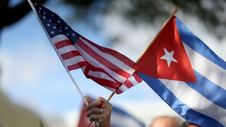 Мэр Майами предложил Байдену свергнуть власть Кубы авиаударом Политика