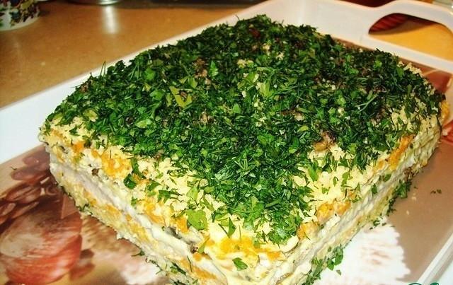 Салат-торт «Праздничный». Самый вкусный салат на новогоднем столе