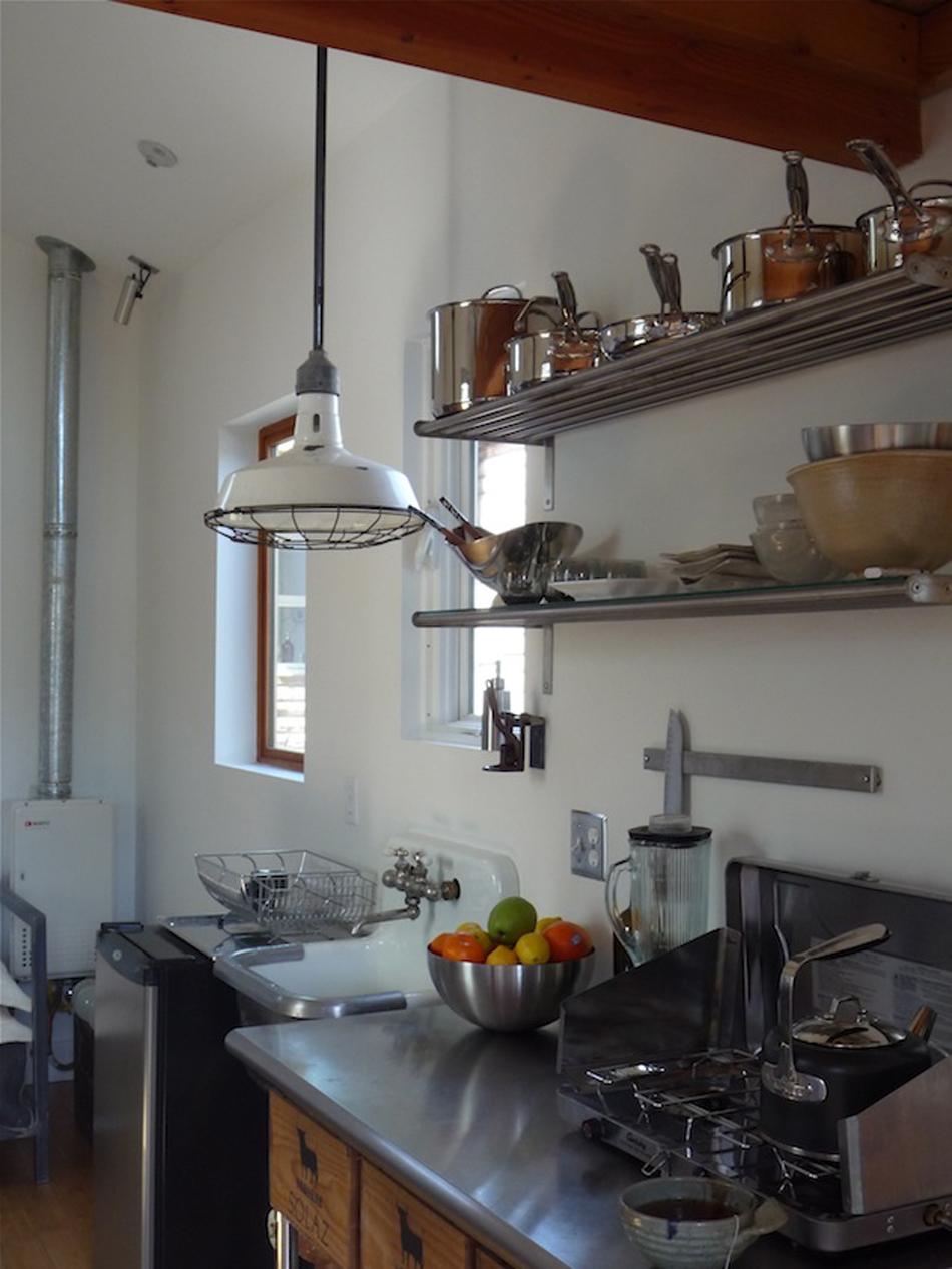 как из гаража сделать кухню фото западе
