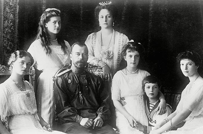 Почему большевики не расстреляли царскую семью