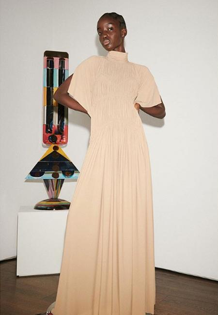 Виктория Бекхэм пригласила на показ своей новой коллекции только мужа и детей Мода,Новости моды