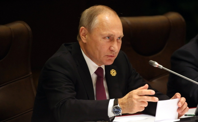 """Путин о будущем сроке: """"Основная задача - решение внутренних проблем России"""""""