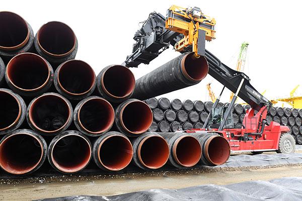 СМИ: «Газпрому» может не хватить труб