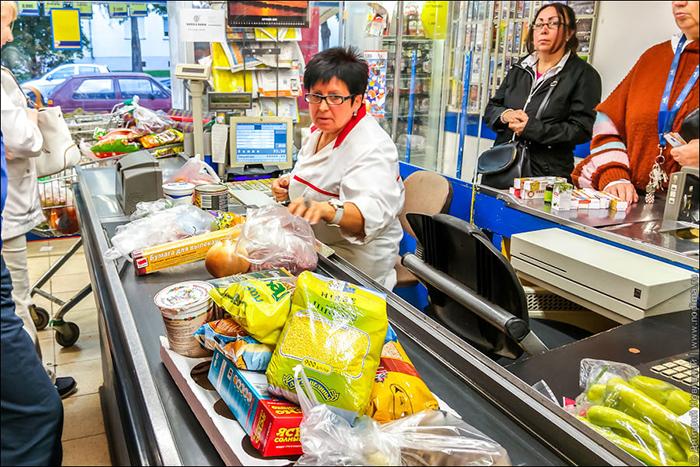Как выбрать самую быструю очередь в супермаркете – 4 простых совета