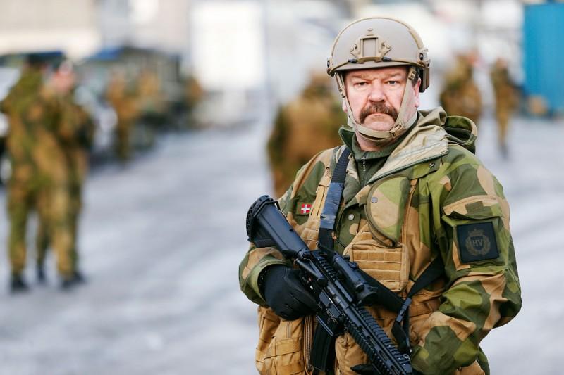 Норвегию отмывают после натовских учений
