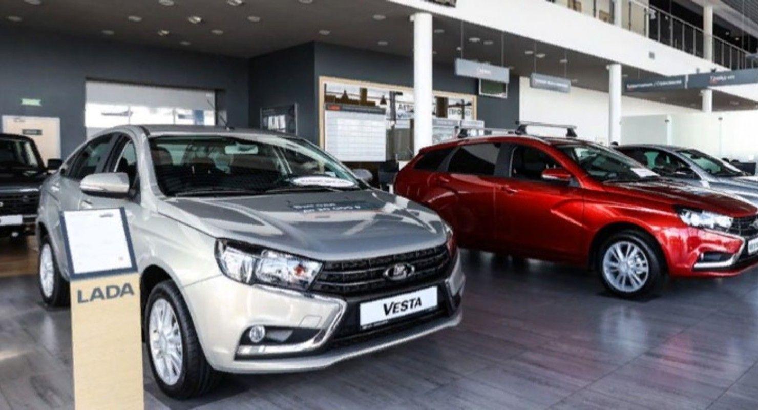 В первой половине января на рынке России повысили цены на свои авто только три бренда Автобизнес