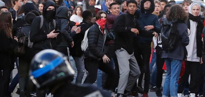 Онижедети парижского майдана
